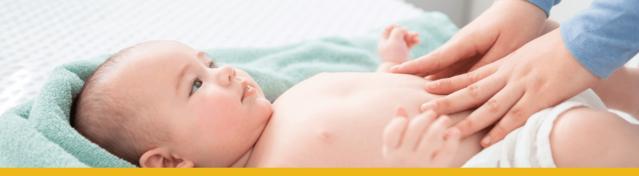 bebé en sabanas