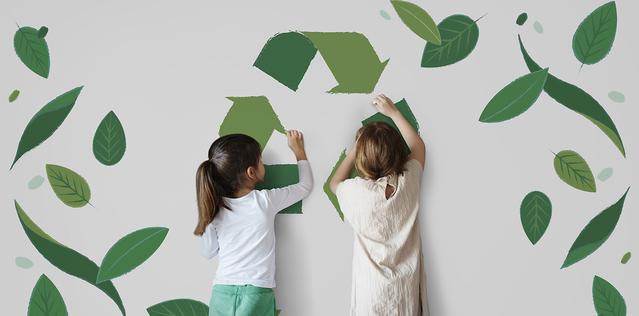 ninos dibujando reciclaje y naturaleza
